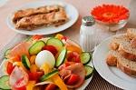Escolas tentam ajustar regras para crianças terem refeições saudáveis
